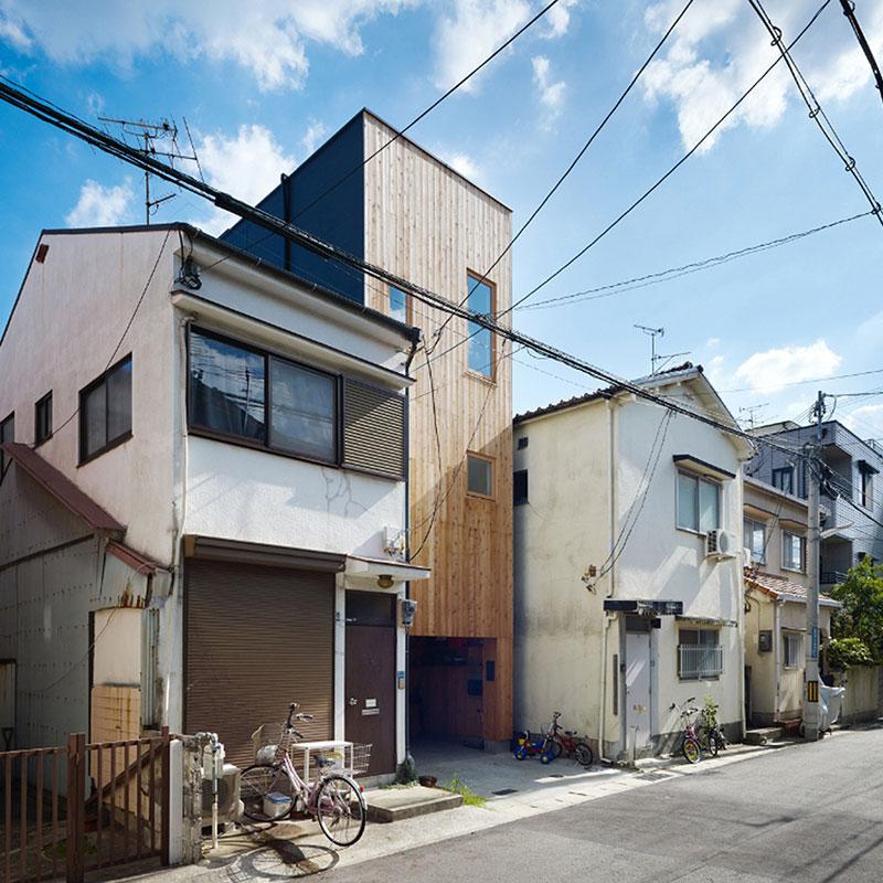 Ngôi nhà gô siêu hẹp ở Kobe - Nhật Bản